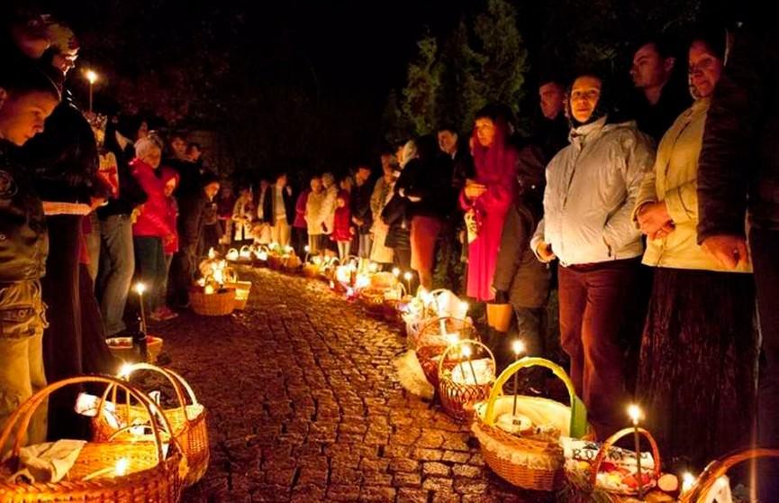 Лукашенко о пасхальных праздниках: мы дорогу к храму никому не закрываем
