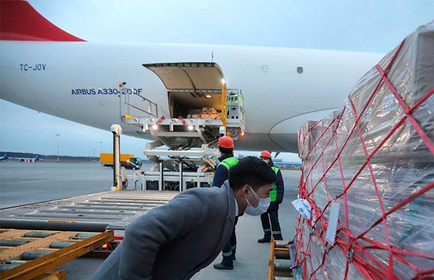 Еще три борта с медицинской помощью будут направлены Китаем в Беларусь