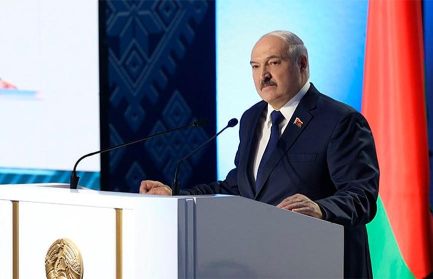 Лукашенко: Проект новой Конституции будет подготовлен в течение года, референдум – в начале 2022 года