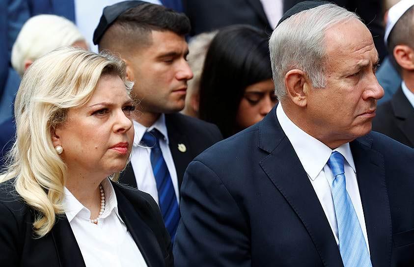 Бросила украинский хлеб на пол: жена Нетаньяху устроила скандал на борту самолёта по пути в Киев