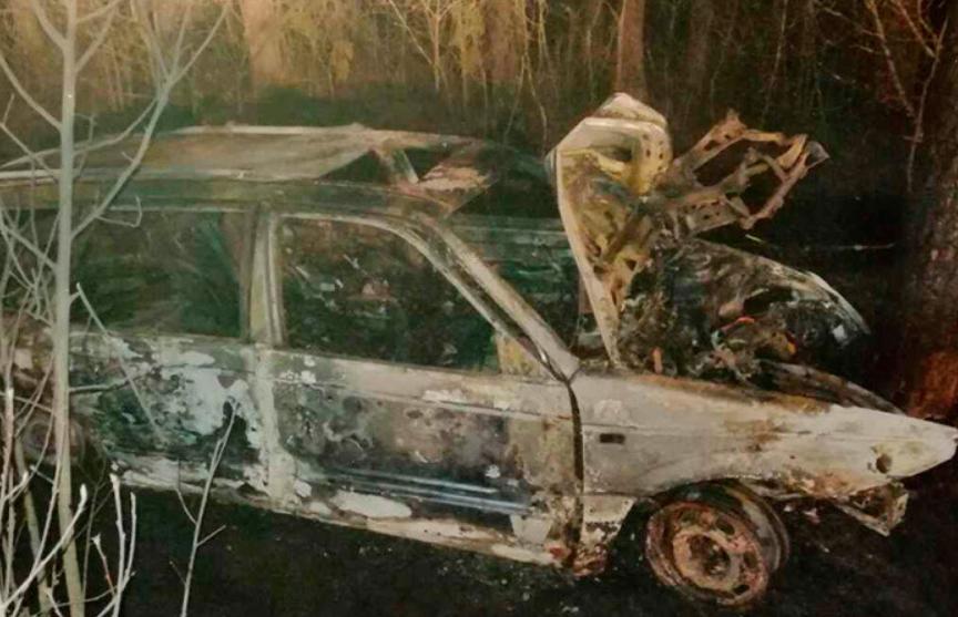 В Ветковском районе загорелось попавшее в ДТП авто – два человека погибли