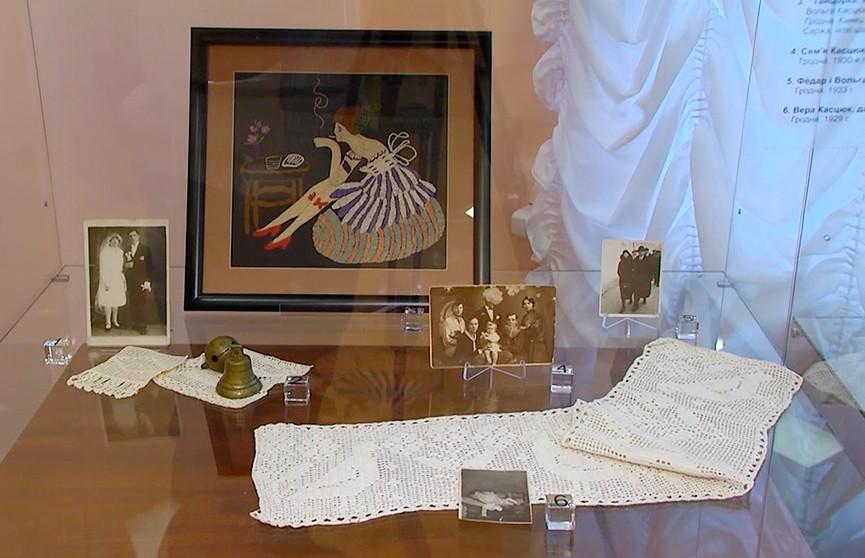 История одной семьи: В Гродно представили экспонаты, которые прятали 100 лет