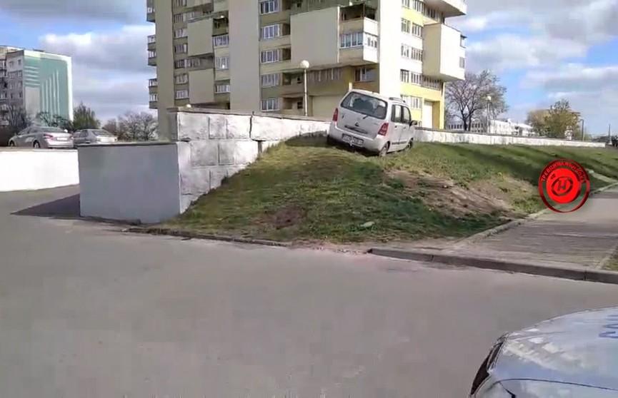 ДТП в Бресте: Suzuki Wagon сбил на тротуаре 48-летнюю женщину