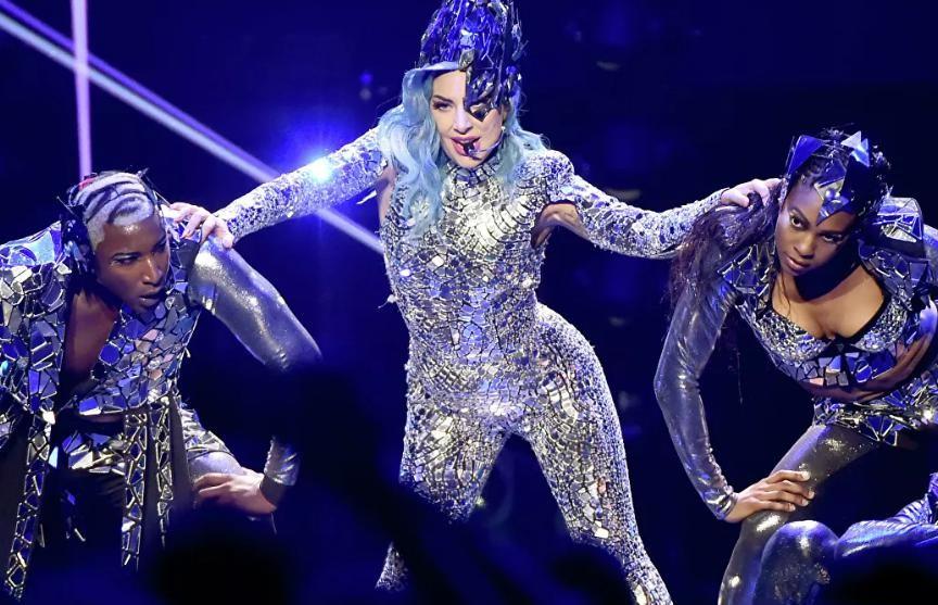 Леди Гага объявила о выходе новой книги