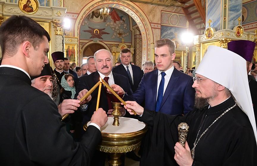 Лукашенко на Пасху: Давайте сделаем все от нас зависящее, чтобы подарить пришедшему за нами поколению мир и покой