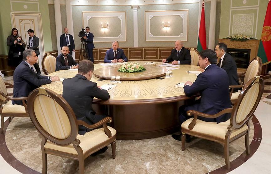 Александр Лукашенко встретился с главами правительств стран ЕАЭС