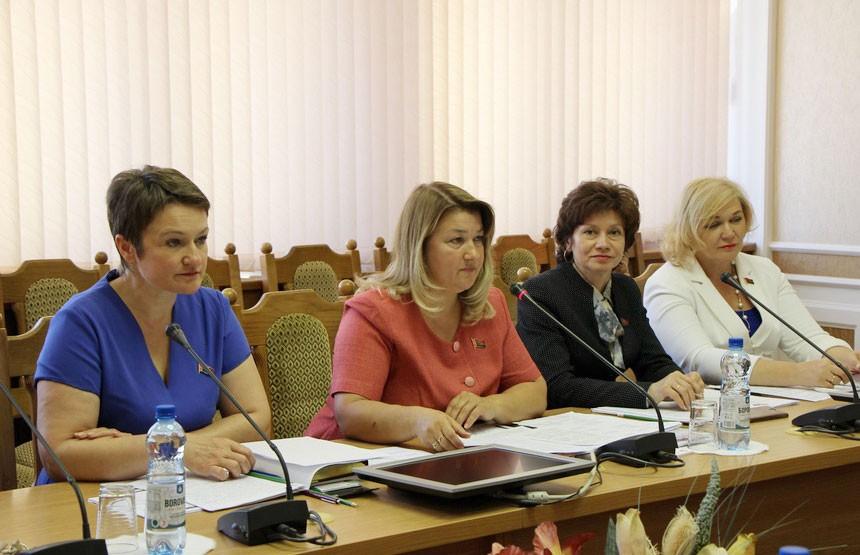 Увеличение числа женщин в органах власти – новая тенденция для Беларуси?