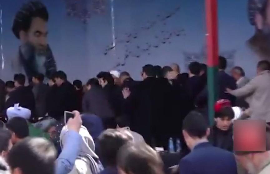 Серия взрывов прогремела в Кабуле: три человека погибли, ещё 22 получили ранения