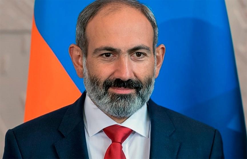 Премьер-министр Армении вылечился от коронавируса