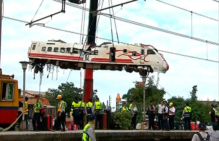 Названа предварительная причина крушения поезда на Тайване