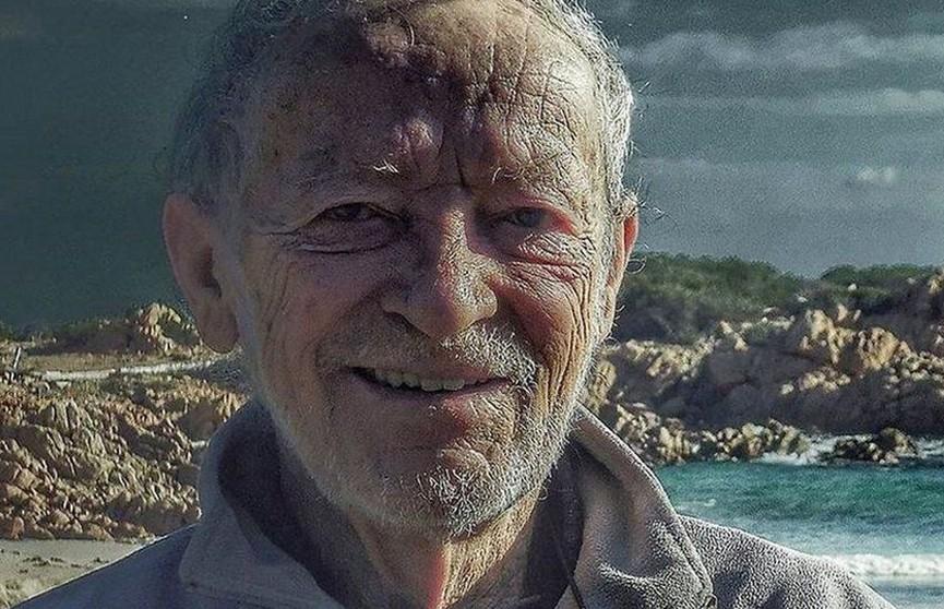 81-летнего итальянца прогнали с необитаемого острова. Он прожил там более 30 лет