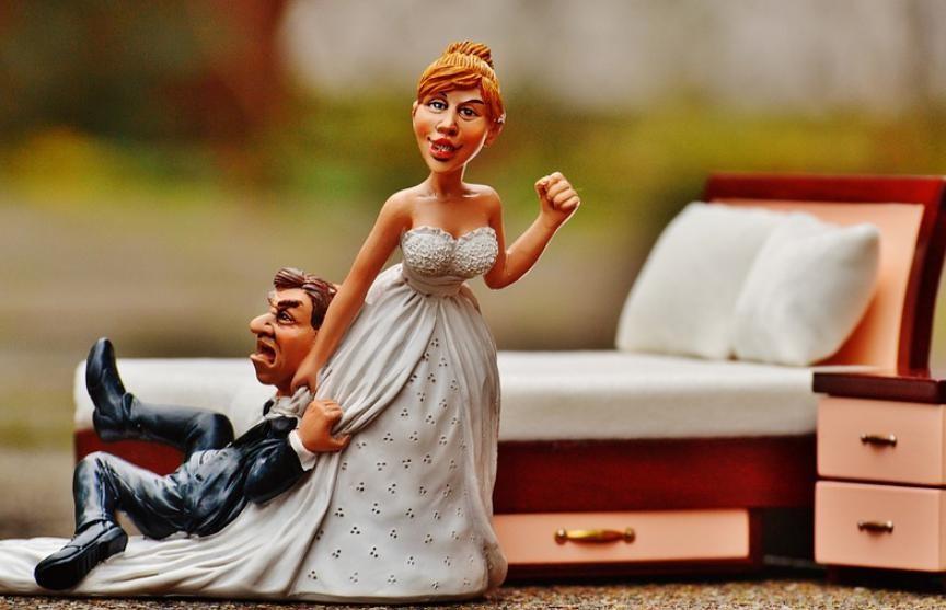 Судья нашла хитрый способ отомстить бросившему ее ради другой женщины мужу