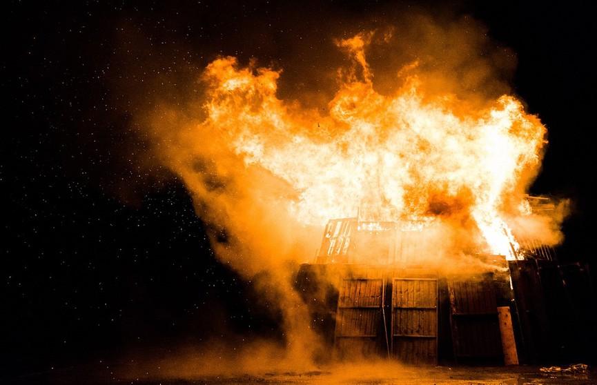 12 человек эвакуировали при пожаре в жилом доме в Лиде