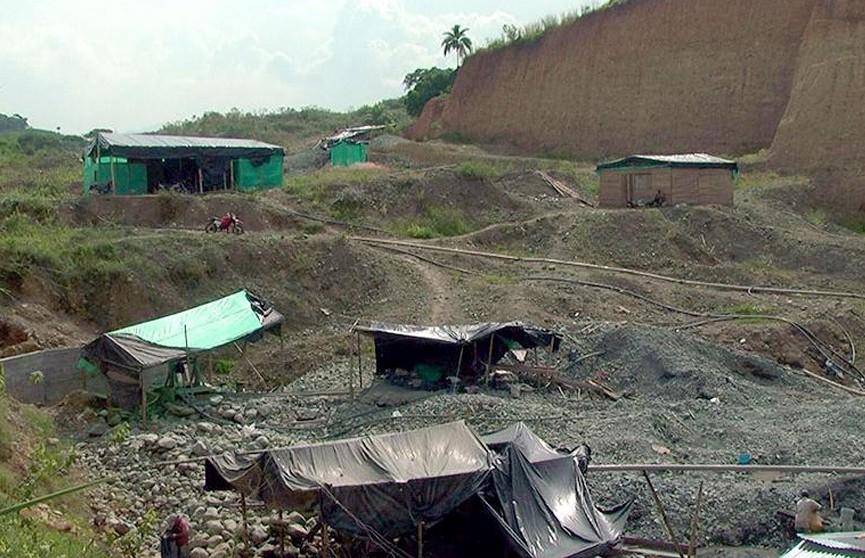 Два человека погибли в результате аварии на шахте в Колумбии