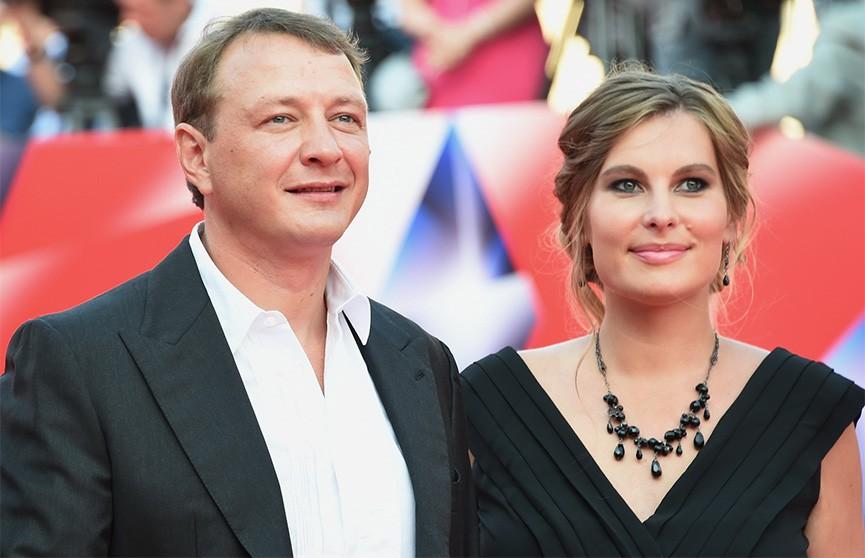 СМИ: Актёр Марат Башаров жёстко избил свою новую жену