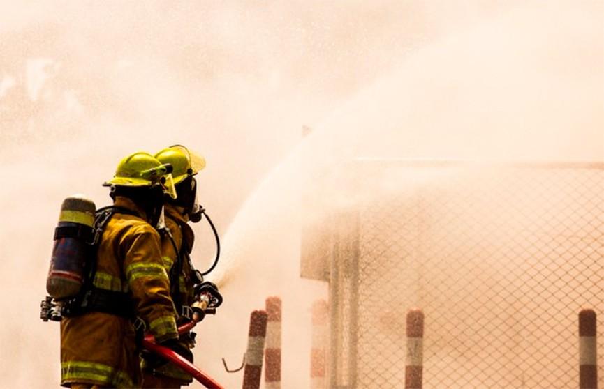 Пожар на складе с пиротехникой в Москве потушили