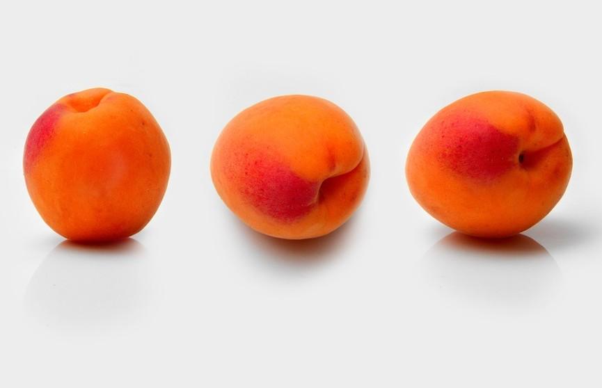 Эндокринолог рассказала, кому нельзя есть абрикосы. А вы есть в этом списке?
