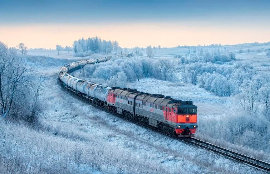 Дополнительные поезда пустят по Беларуси с 25 декабря по 11 января