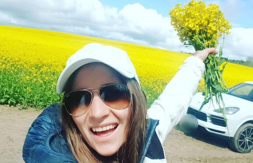«Сочненькая!» Дарья Домрачева похвасталась первым урожаем редиски