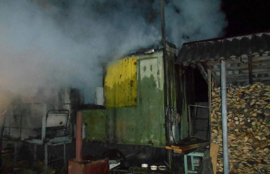 В Мозыре мужчина сгорел в бытовке