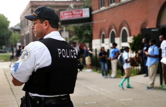 Двое детей умерли из-за инцидента возле школы под Шеффилдом