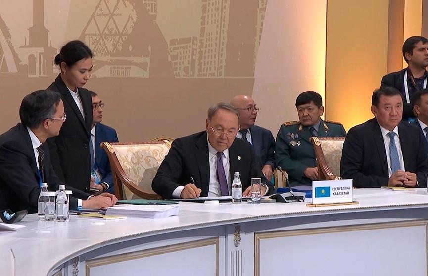 Нурсултан Назарбаев ушёл с поста президента Казахстана, но остался на политической арене страны