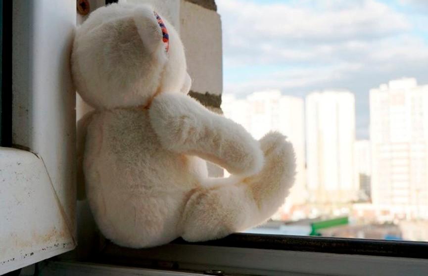 Четырёхлетний ребёнок упал с балкона шестого этажа в Светлогорске
