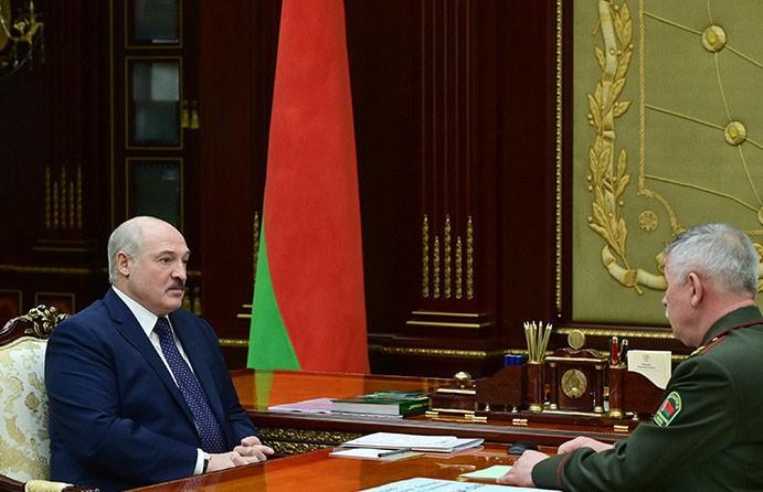 Лукашенко: армия и пограничные войска почувствовали, что страну надо защищать более основательно