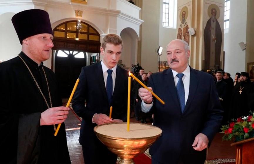 Лукашенко: Я не приветствую тех, кто закрывает дорогу к храму