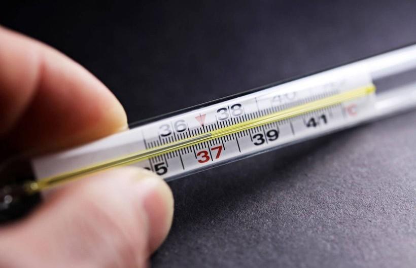 Высокая температура по вечерам: на какие болезни указывает?