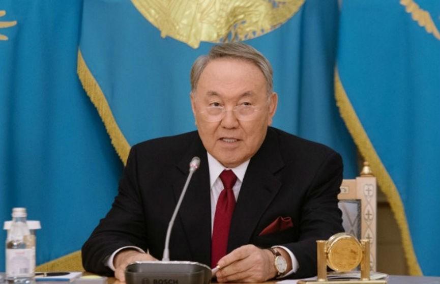 Стало известно о самочувствии президента Казахстана, заразившемся COVID