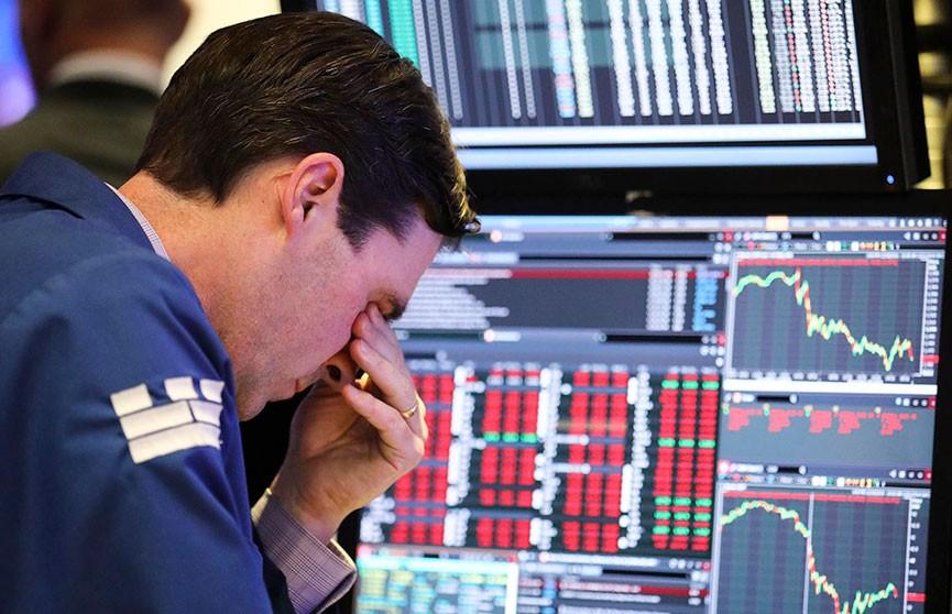 Коронавирус спровоцировал рекордный обвал на биржах
