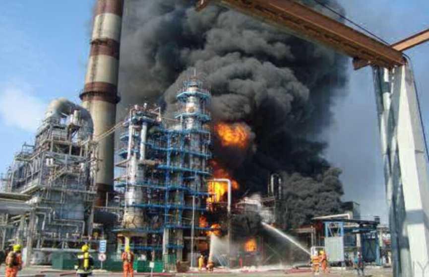 На Мозырском НПЗ произошло возгорание вакуумного газойля. Загорание ликвидировано