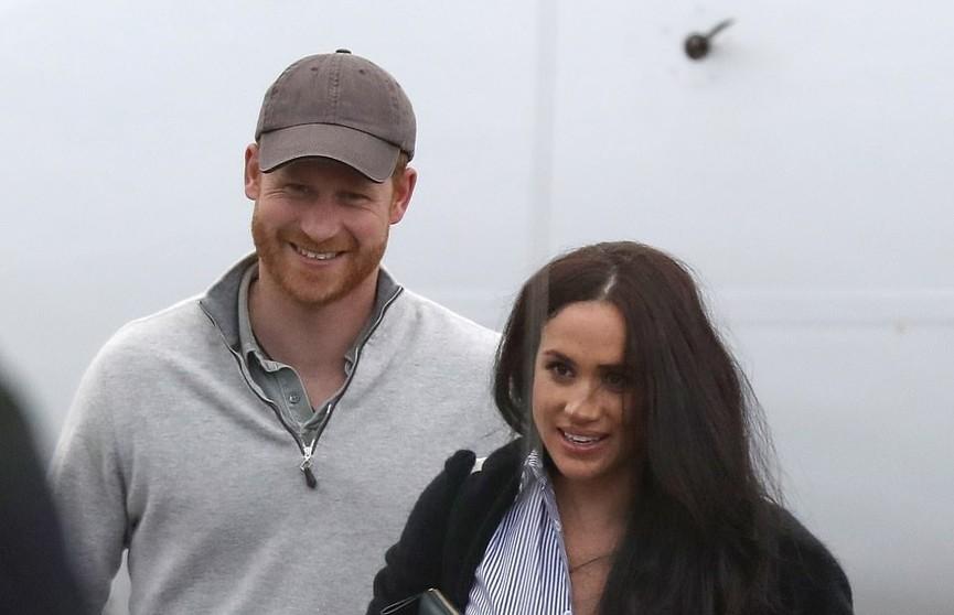 Первое фото Меган Маркл и принца Гарри после ухода из королевской семьи появилось в соцсетях