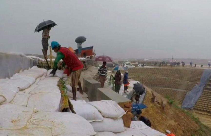 Наводнение уничтожило лагерь беженцев-рохинджа в Бангладеш