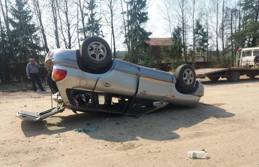 Легковушка перевернулась под Полоцком, пострадал пассажир