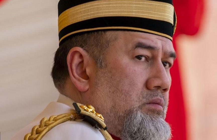 Женившийся на «Мисс Москва» король Малайзии отрёкся от престола