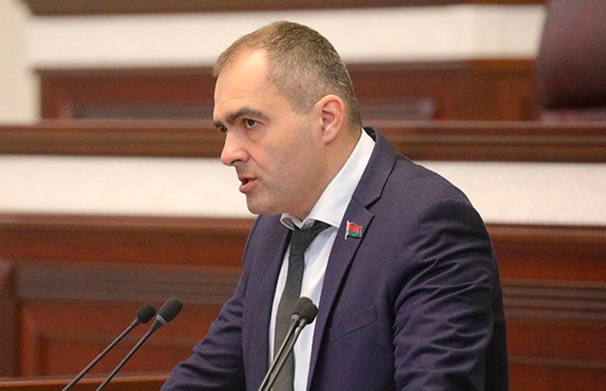 Общественные деятели и политики Беларуси высказались о незаконной акции во время сбора подписей в Гродно