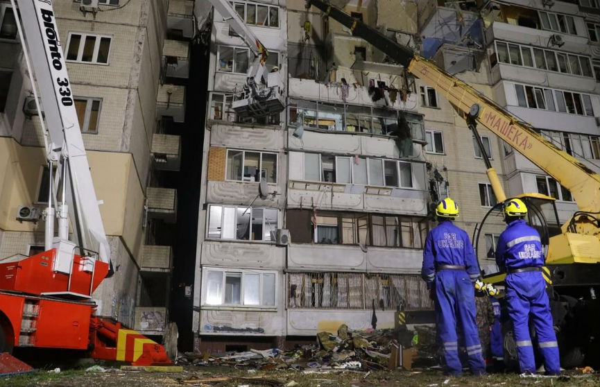 Взрыв в жилом доме в Киеве: спасатели достали из-под завалов пятое тело