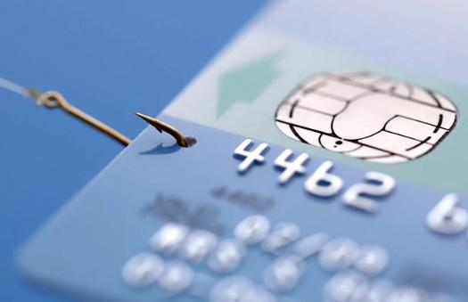 Талантливый мошенник обокрал тысячи покупателей: ему достаточно было один раз взглянуть на их кредитки