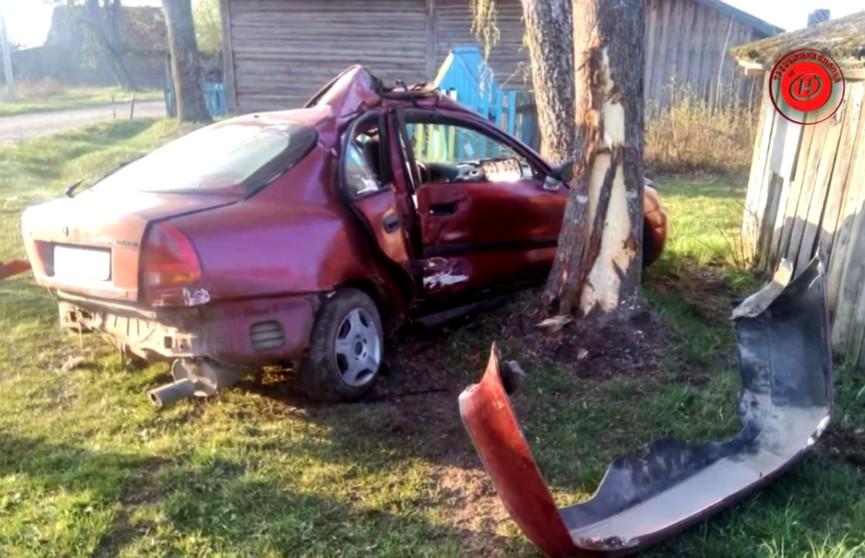 Эх, прокатил.  19-летний парень на чужом автомобиле вёз двух девушек и въехал в дерево