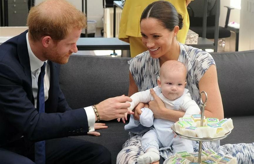 Сын принца Гарри и Меган Маркл осчастливил дедушку одним словом