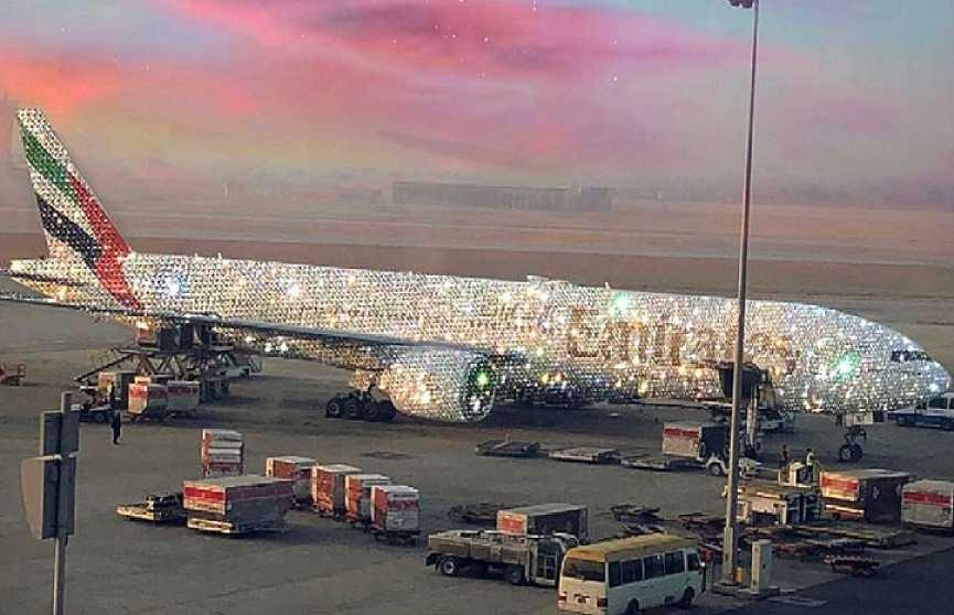 А взлетит ли? Авиакомпания из Дубая показала алмазный Boeing 777