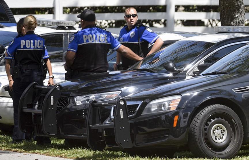 Мужчина захватил заложников в банке в США, есть жертвы