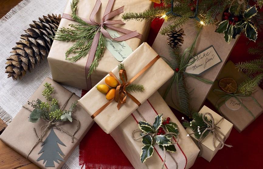 Упаковка подарка на Новый год: как сэкономить и удивить близких