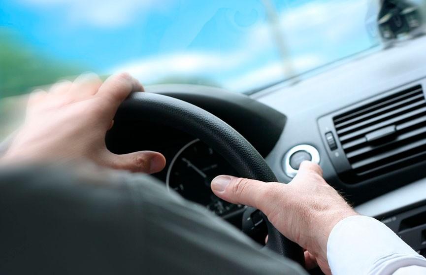 Угонщик не смог уехать на машине с «механикой» (ВИДЕО)