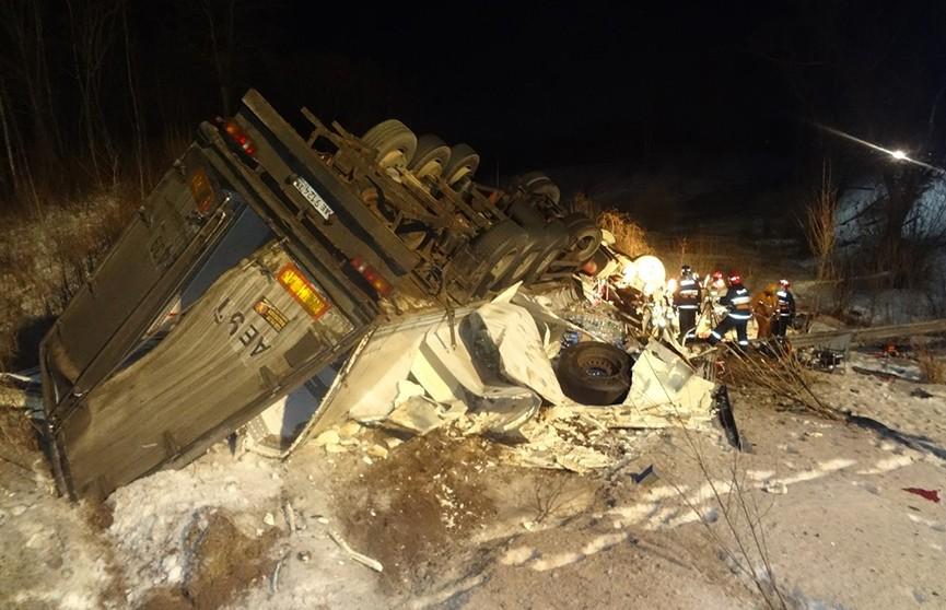 Большегруз перевернулся в Витебском районе: водитель – в реанимации