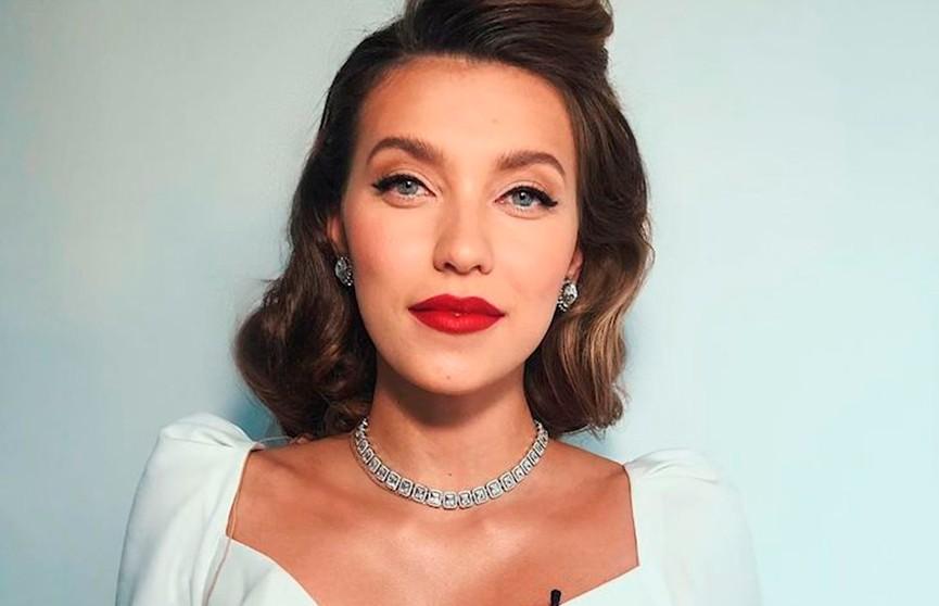 Известный бренд перестал сотрудничать с телеведущей Региной Тодоренко после ее высказываний о домашнем насилии