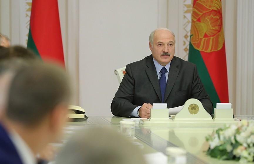 Александр Лукашенко подвёл итоги рабочей поездки в Сочи на совещании во Дворце Независимости