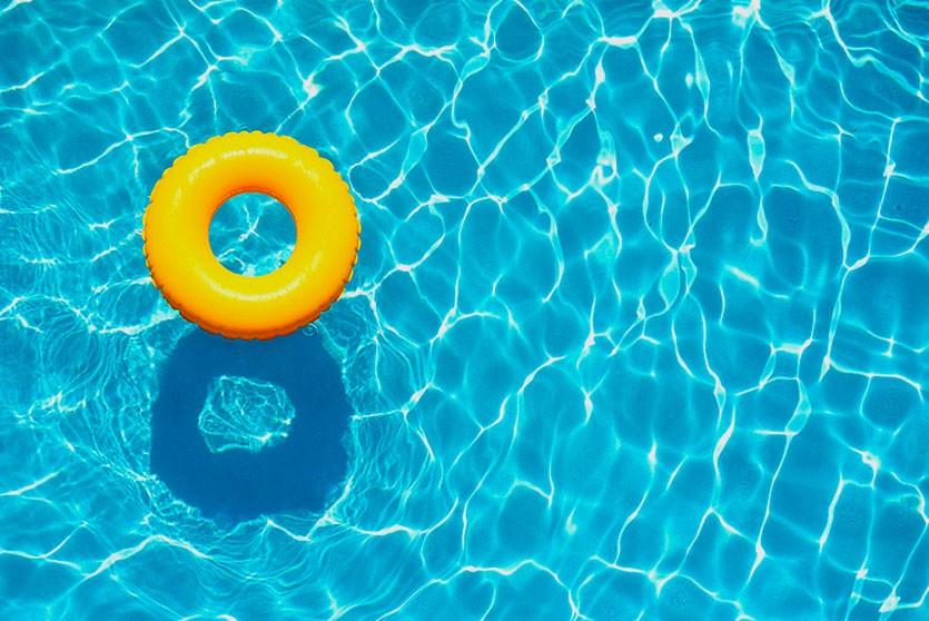 Семья из Великобритании утонула в бассейне в Испании